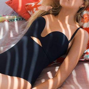Proenza Schouler Black Moulded 🌊 💙 HOST PIC🌊 💙